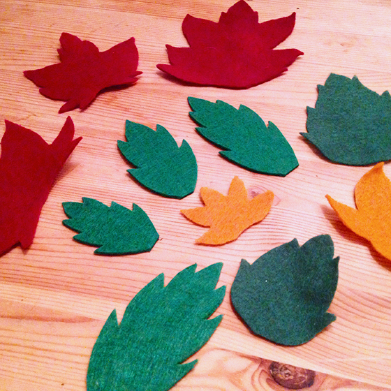 DIY Autumn wreath: felt cut into various leaf shapes - yellow feather blog