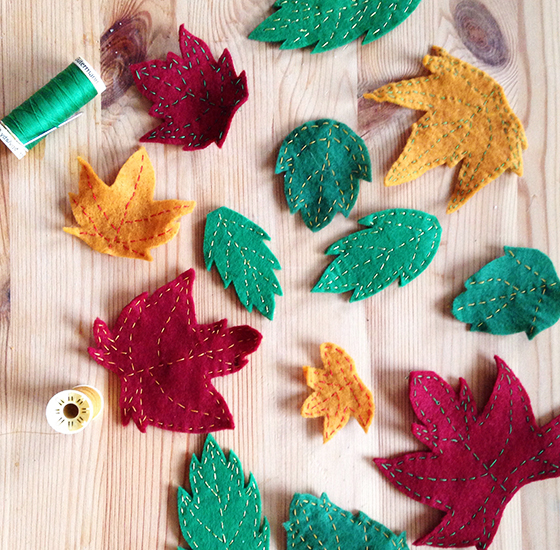 DIY Autumn wreath: a variety of embroidered felt leaves - yellow feather blog