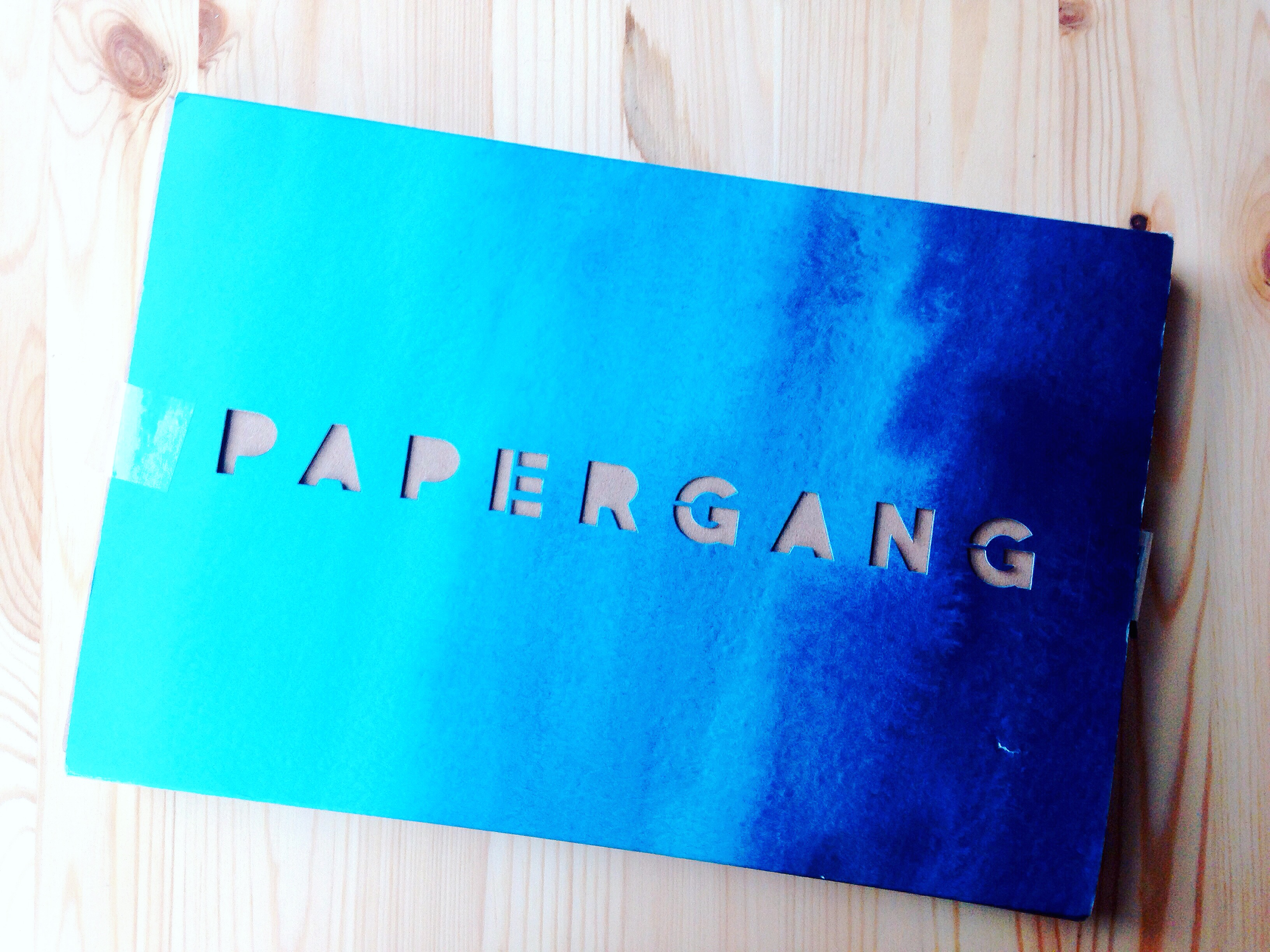 Septembers Ombre themed Papergang subscription box review on Yellow Feather blog