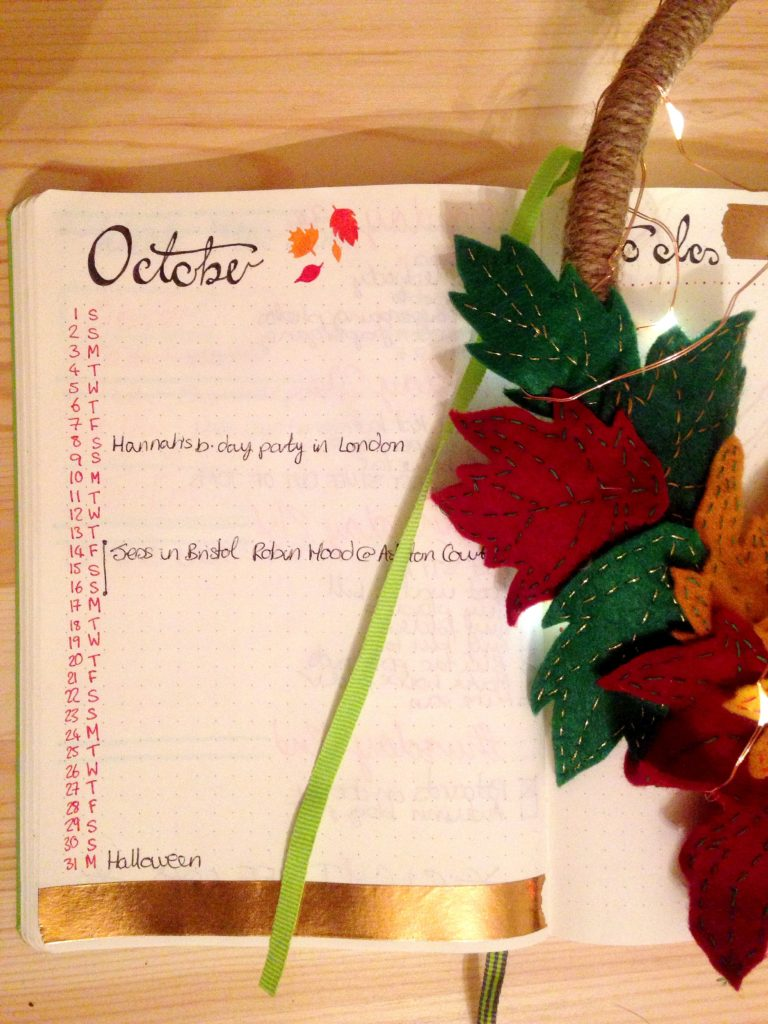 autumnal bullet journal October's monthly calendar layout