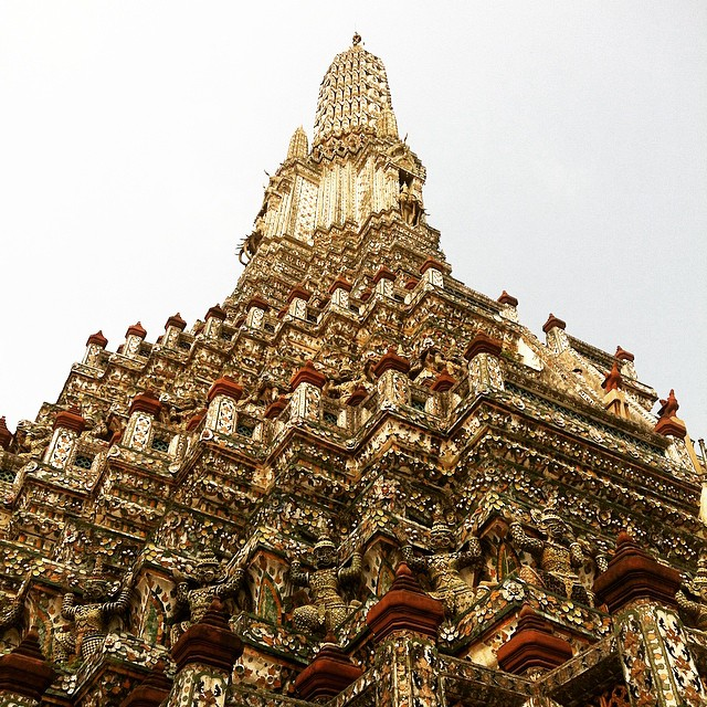 Wat Arun temple Bangkok Yellow Feather Blog Travel Tuesday Instagrammable Locations